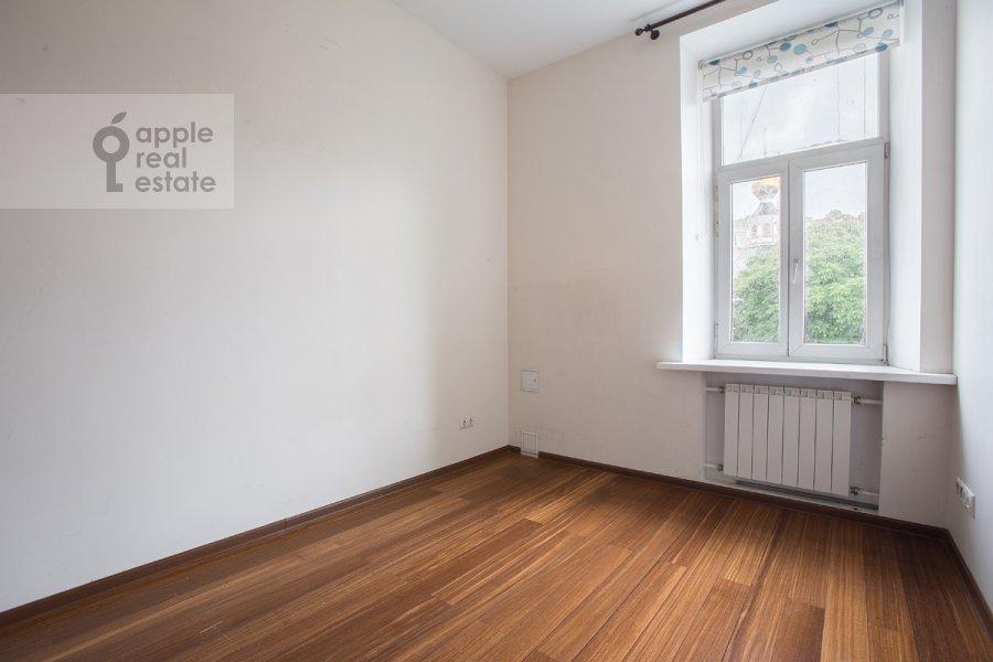 Спальня в 3-комнатной квартире по адресу Новокузнецкий 1-й пер. 10с1
