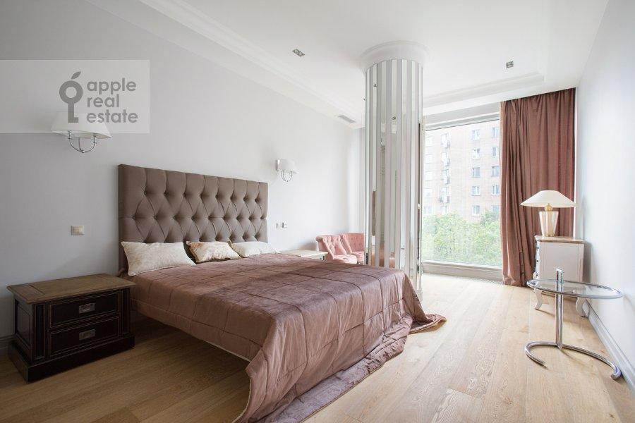 Bedroom of the 4-room apartment at Gruzinskaya Bol'shaya ul. 69
