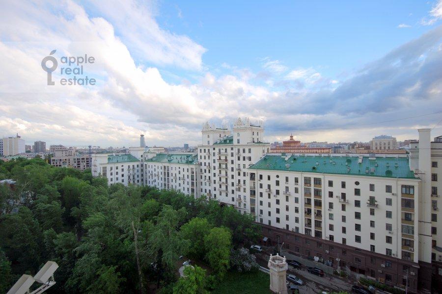 Вид из окна в 2-комнатной квартире по адресу Котельническая наб. 1/15кб
