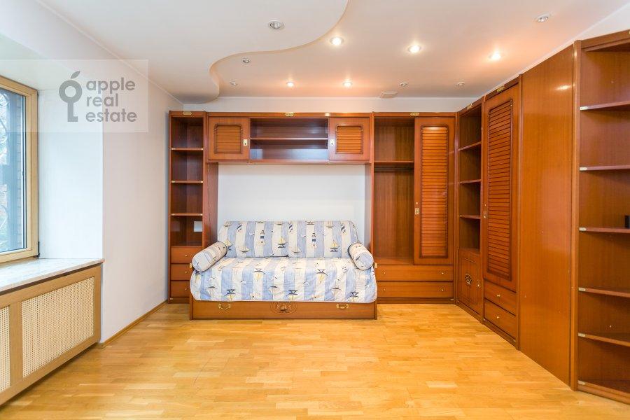 Детская комната / Кабинет в 3-комнатной квартире по адресу Новая 11