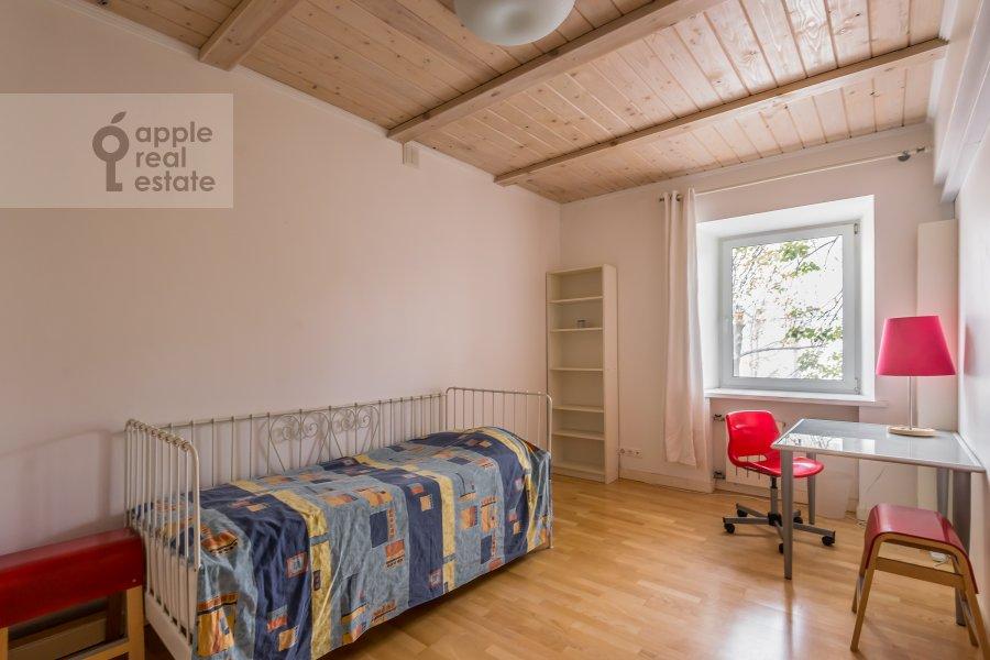 Детская комната / Кабинет в 5-комнатной квартире по адресу Покровка ул. 14/2с1