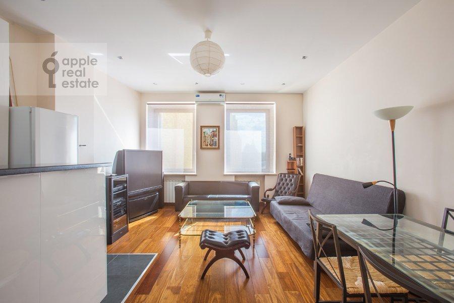 Living room of the 3-room apartment at Tverskaya ulitsa 27s2