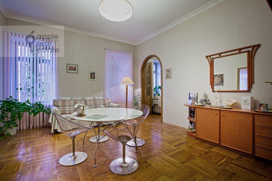 Living room of the 3-room apartment at Tverskaya-Yamskaya 4-ya ul. 24
