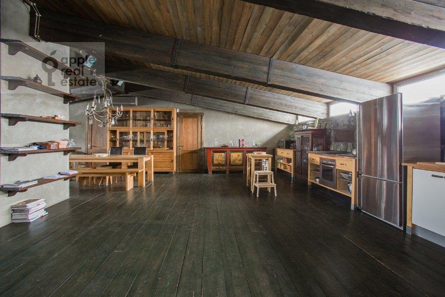 Кухня в 3-комнатной квартире по адресу Скатертный пер. 22