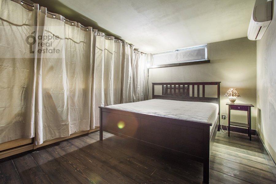 Спальня в 3-комнатной квартире по адресу Скатертный пер. 22