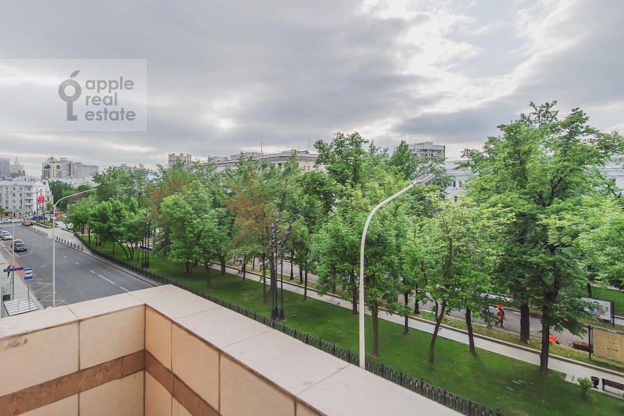 6-room apartment at Tverskoy bul'var 8