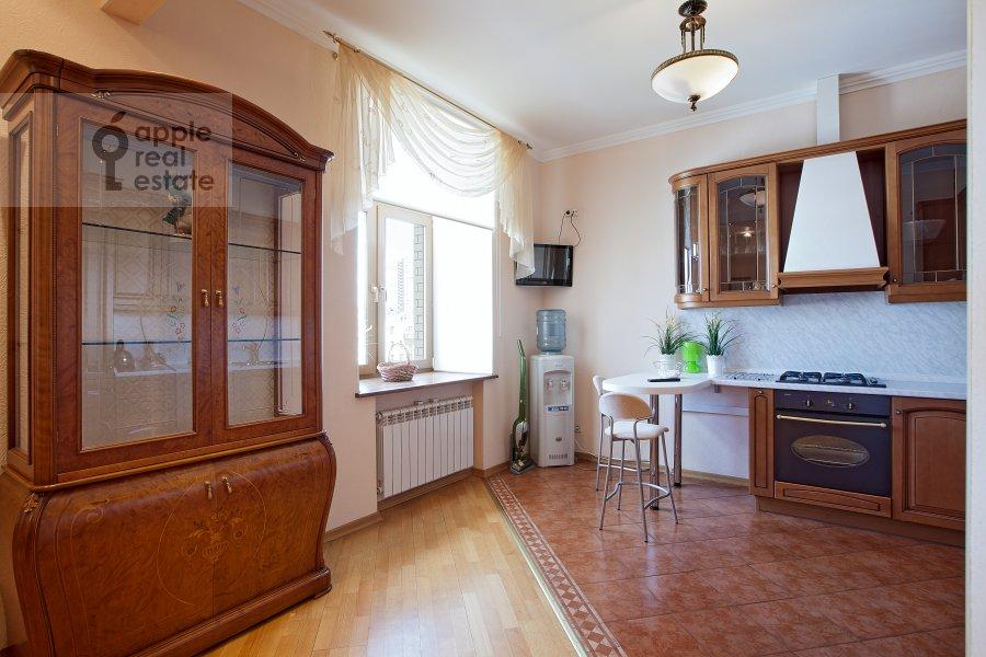 Кухня в 3-комнатной квартире по адресу Арбат ул. 51