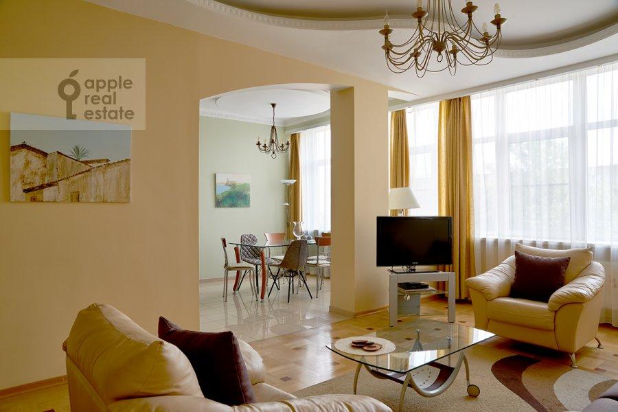 Гостиная в 3-комнатной квартире по адресу Ленинградский проспект 76к2