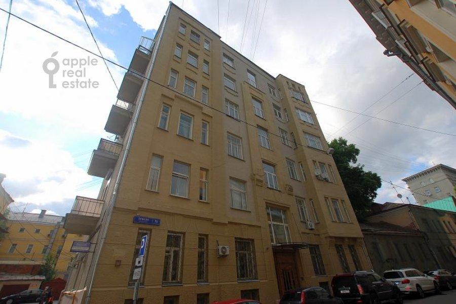 Фото дома 4-комнатной квартиры по адресу Брюсов пер. 1Б