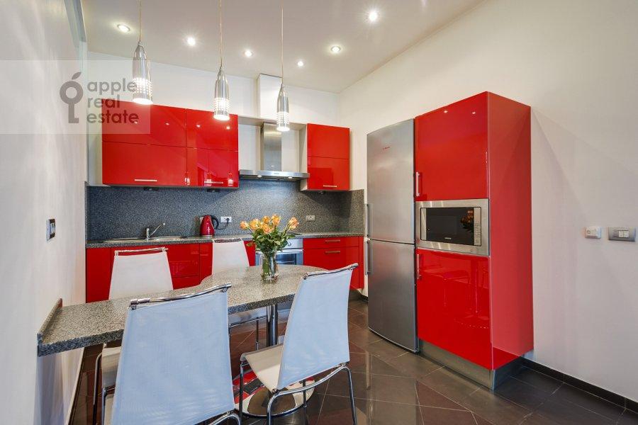 Кухня в 4-комнатной квартире по адресу Климентовский пер. 6