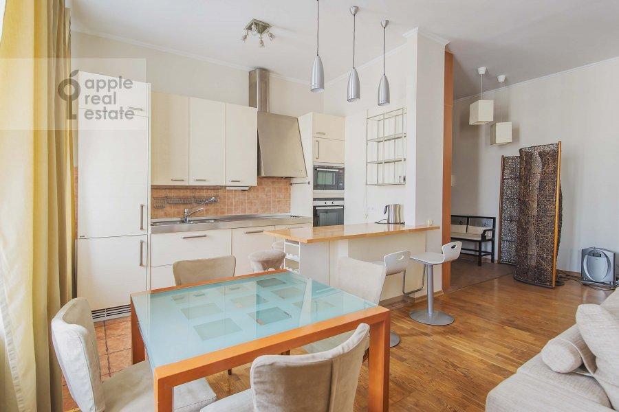 Кухня в 3-комнатной квартире по адресу Петровка ул. 28с2