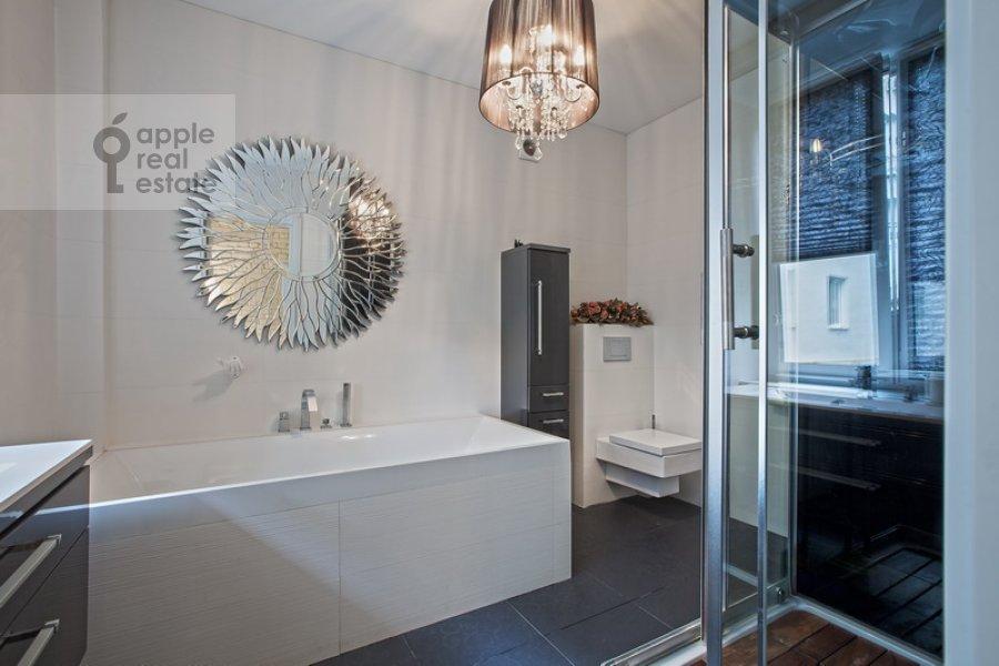 Bathroom of the 2-room apartment at B. Patriarshiy per. 8