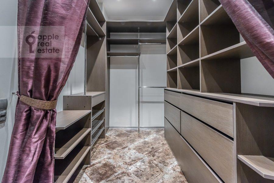 Спальня в 3-комнатной квартире по адресу Шаболовка ул. 23с5