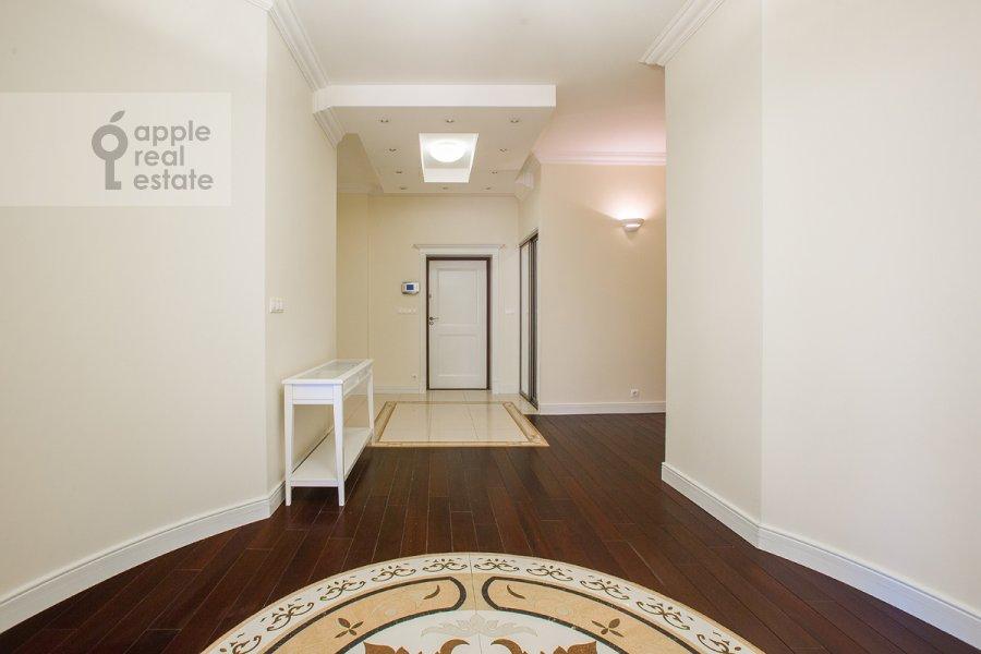 Corridor of the 6-room apartment at Beregovaya ul. 4k5