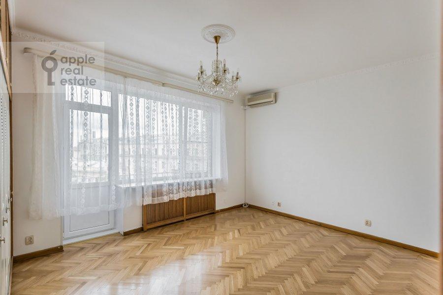 Спальня в 4-комнатной квартире по адресу Бронная Малая ул. 38