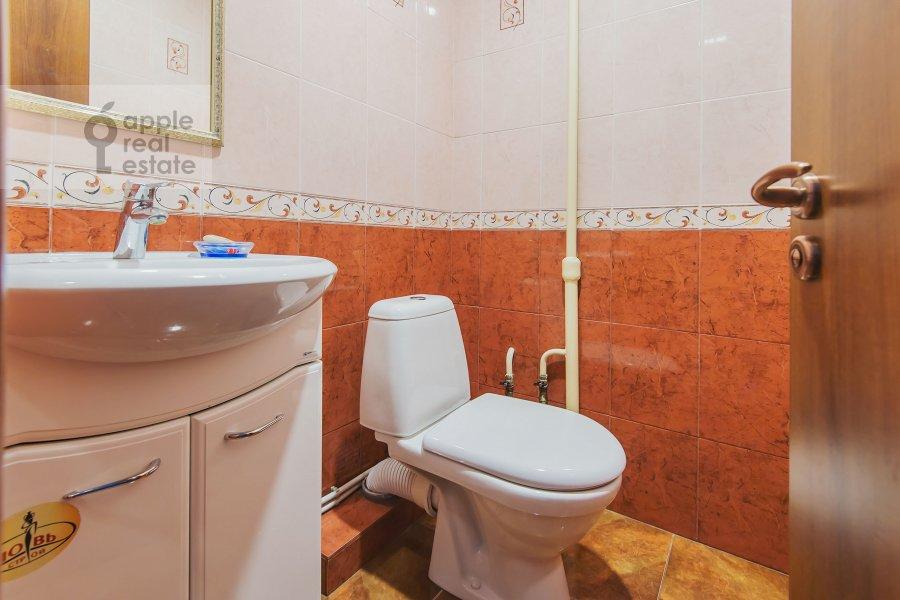 Bathroom of the 3-room apartment at Miusskaya 2-ya ul. 3/5
