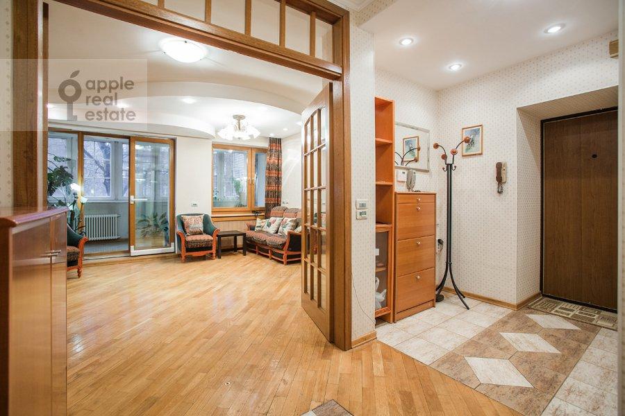 Corridor of the 3-room apartment at Vlas'evskiy Malyy per. 3k1
