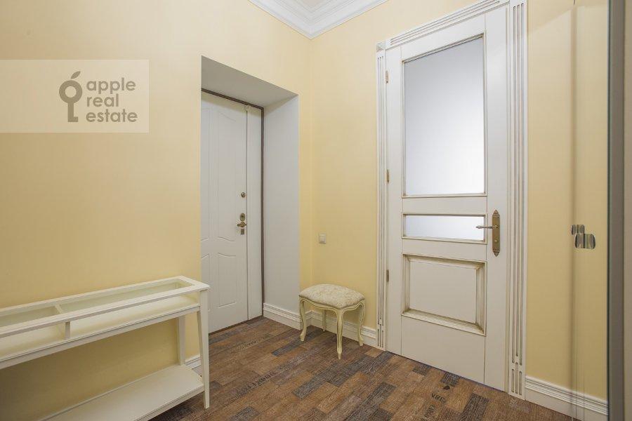 Corridor of the 2-room apartment at Dorogomilovskaya Bol'shaya ul. 4