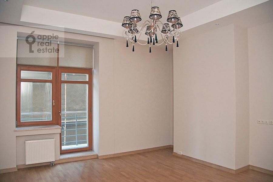 Спальня в 4-комнатной квартире по адресу Колымажный пер. 10