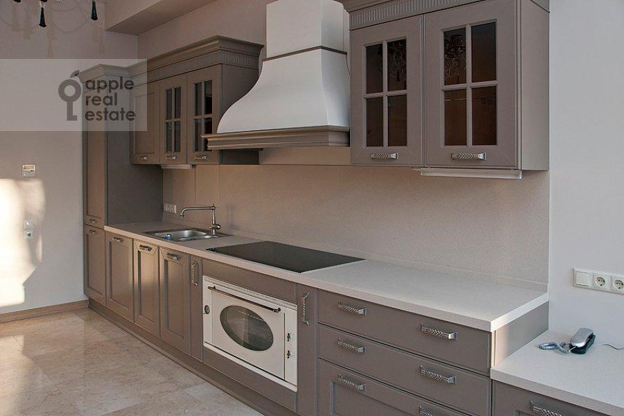 Кухня в 4-комнатной квартире по адресу Колымажный пер. 10