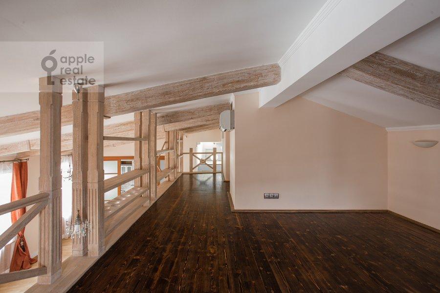 Детская комната / Кабинет в 5-комнатной квартире по адресу Ермолаевский переулок 4