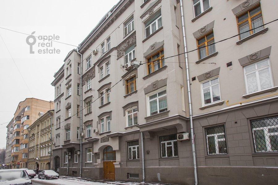 Фото дома 5-комнатной квартиры по адресу Ермолаевский переулок 4