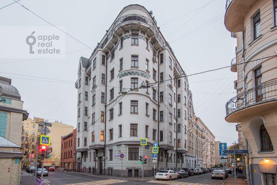Photo of the house of the 4-room apartment at Denezhnyy pereulok 14/3