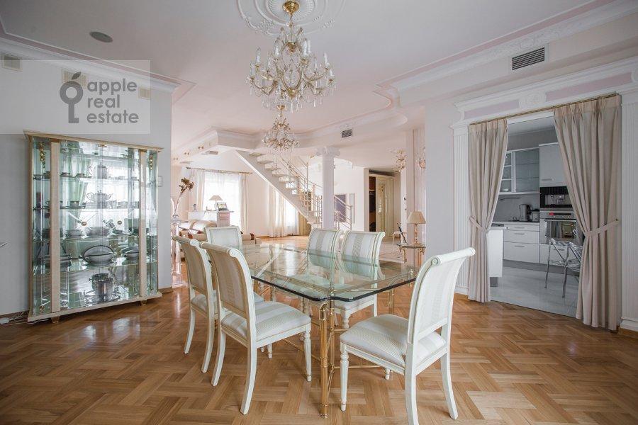 Kitchen of the 4-room apartment at Denezhnyy pereulok 14/3
