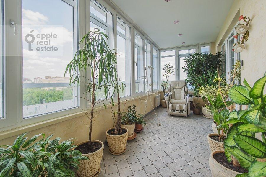 Balcony / Terrace / Loggia of the 4-room apartment at Sosnovaya alleya 1