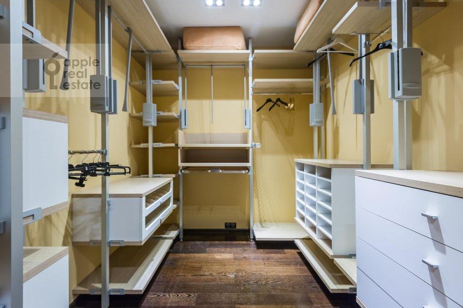 4-room apartment at Vernadskogo pr-t. 92k1