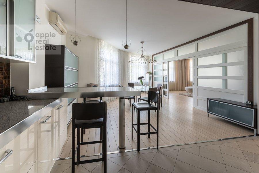 Кухня в 3-комнатной квартире по адресу Пионерская Большая ул. 20