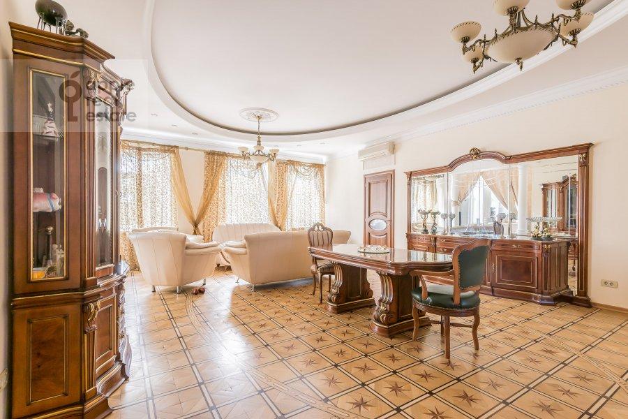 Гостиная в 6-комнатной квартире по адресу Петровский бульв. 23