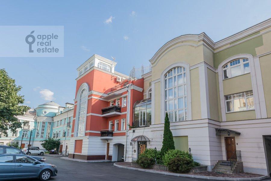 Фото дома 6-комнатной квартиры по адресу Петровский бульв. 23