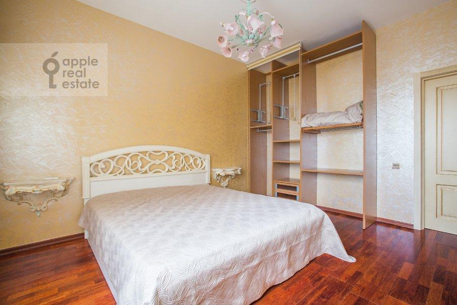 Bedroom of the 3-room apartment at B. Tolmachevskiy per. 4s1