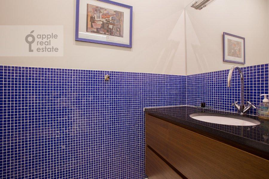 Санузел в 3-комнатной квартире по адресу Мясницкая ул. 24/7с2
