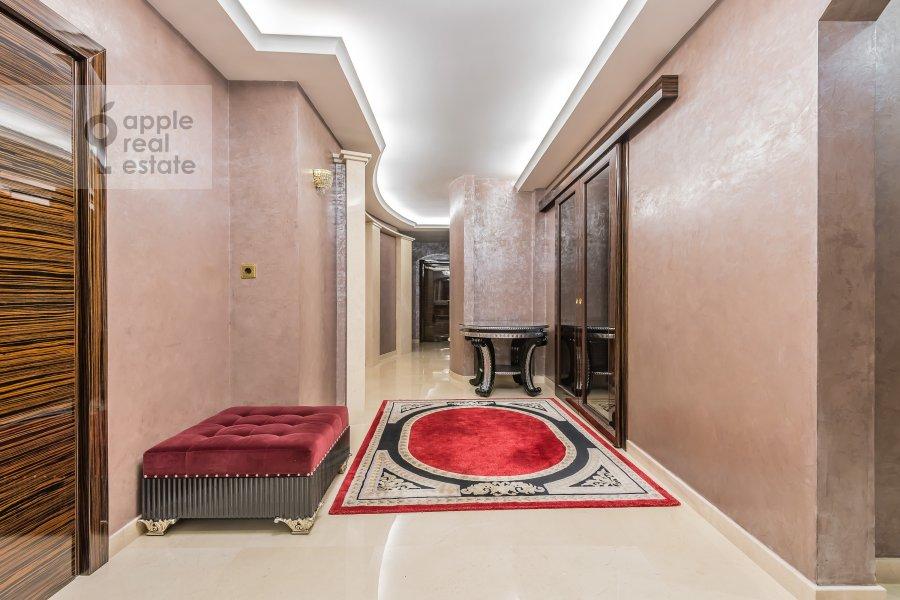 Коридор в 4-комнатной квартире по адресу Смоленский 1-й пер. 17