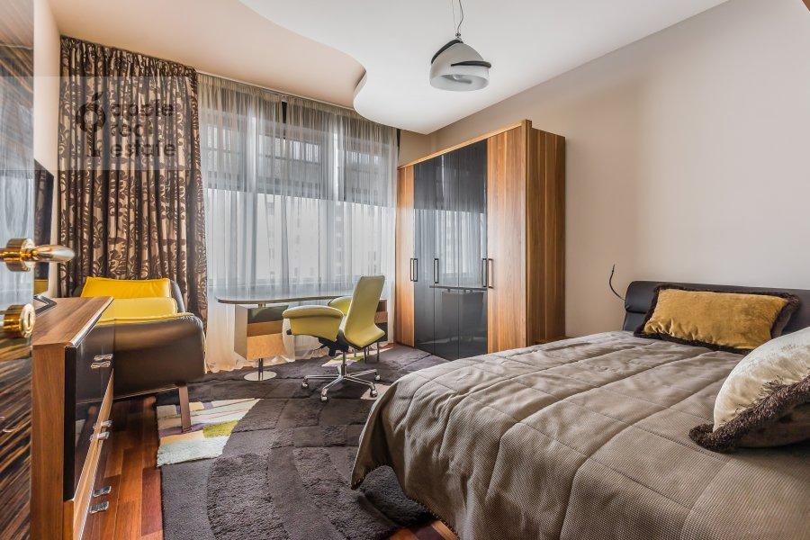 Спальня в 4-комнатной квартире по адресу Смоленский 1-й пер. 17