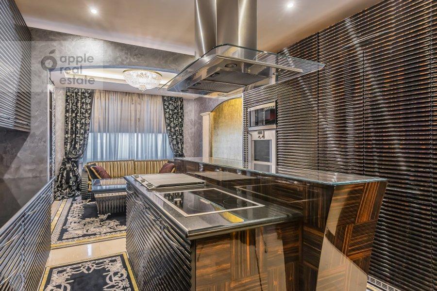 Кухня в 4-комнатной квартире по адресу Смоленский 1-й пер. 17