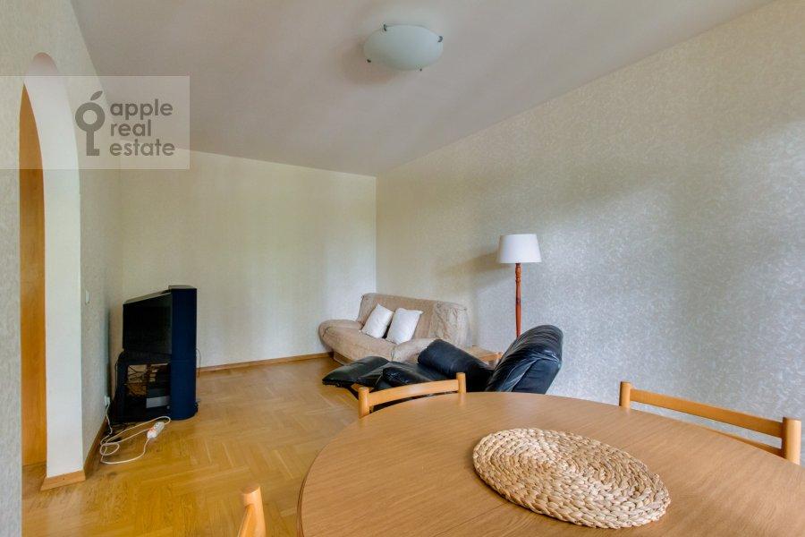 Гостиная в 4-комнатной квартире по адресу Теплый Стан ул. 3