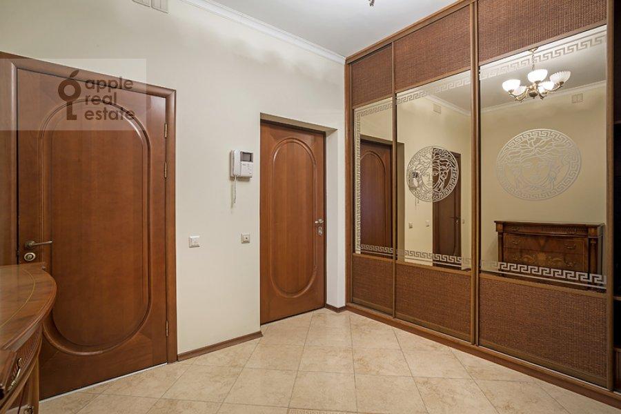 Corridor of the 4-room apartment at Sosnovaya ul. 10