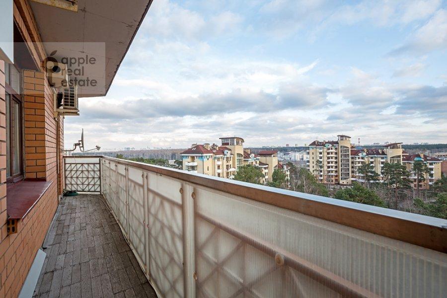 Balcony / Terrace / Loggia of the 4-room apartment at Sosnovaya ul. 10