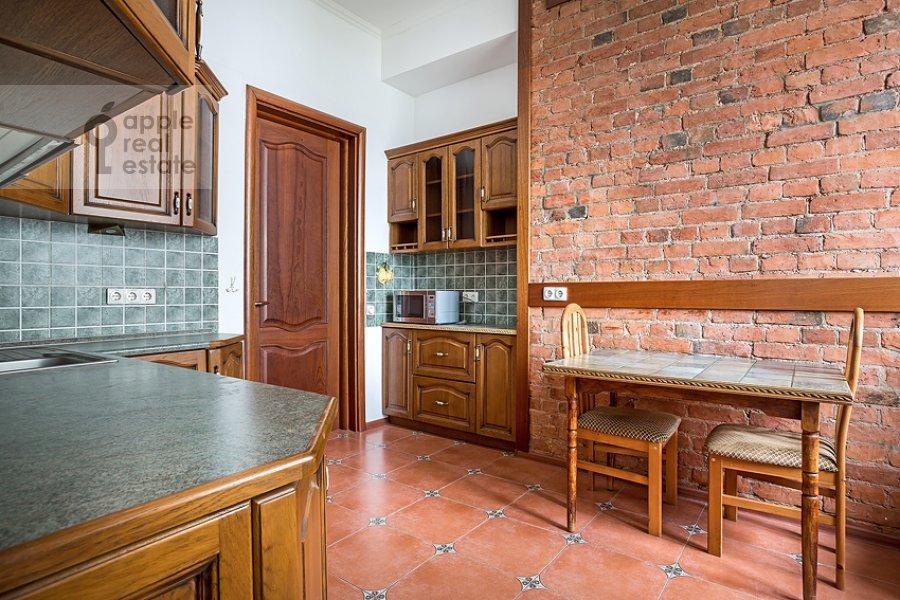 Кухня в 3-комнатной квартире по адресу Пожарский пер. 8