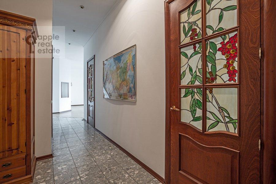 Коридор в 3-комнатной квартире по адресу Пожарский пер. 8