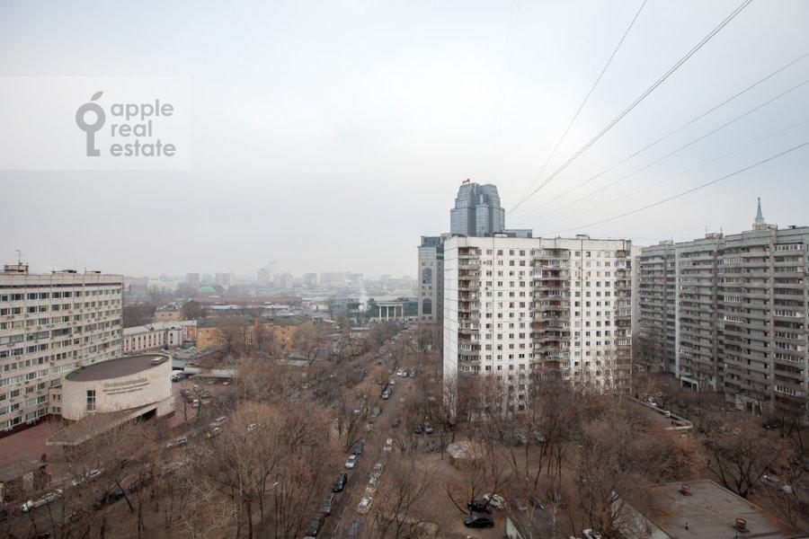 Вид из окна в 3-комнатной квартире по адресу Спасская Большая ул. 31
