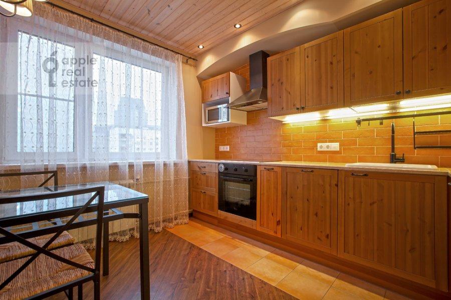 Кухня в 3-комнатной квартире по адресу Спасская Большая ул. 31
