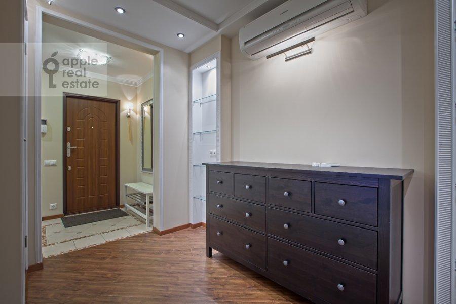 Corridor of the 3-room apartment at Spasskaya Bol'shaya ul. 31