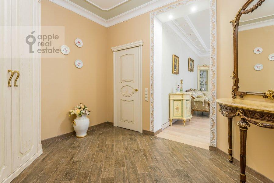 Коридор в 2-комнатной квартире по адресу Маршала Жукова пр-т. 78