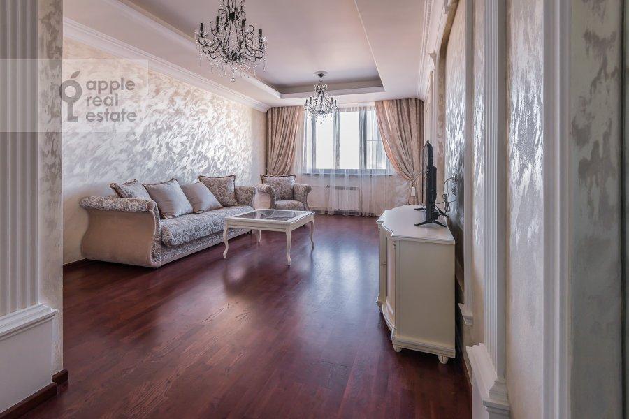 Гостиная в 4-комнатной квартире по адресу Шмитовский пр. 20