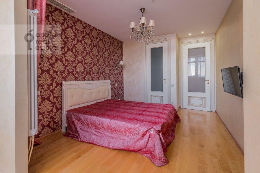 Bedroom of the 4-room apartment at Shmitovskiy pr. 20