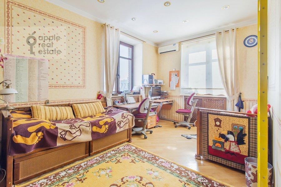 Bedroom of the 4-room apartment at Zamorenova ul. 21